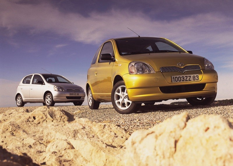 TOYOTA YARIS (1999-2005)VANIČKA DO KUFRA